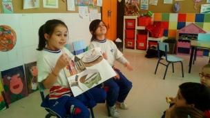Dos alumnas nos cuentas su historia plasmada en el collage